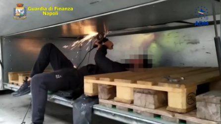 Fiumi Di Droga Nel Porto Di Salerno 3mila Chili Di Hashish E 1 Milione Di Pasticche Di Anfetamina