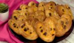 Custard pastry chocolate hearts: a sweet treat that everyone will love!
