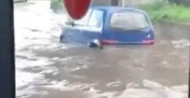 Roma, dopo l'acquazzone si allagano le strade a Ponte Mammolo