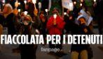 """Covid, fiaccolata a Napoli per i detenuti di Poggioreale: """"Libertà e dignità per tutti"""""""