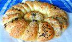 Ciambella di pane ripiena: la ricetta bellissima e piena di gusto