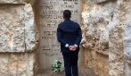 Di Maio al memoriale Shoah in Israele: deposita fiori in ricordo vittime