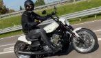 """""""Andiamo al lavoro"""", Zlatan Ibrahimovic sfreccia sulla sua moto"""