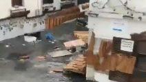Terremoto Grecia e Turchia, tsunami invade le strade: una persona muore annegata