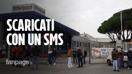 """Whirlpool, il sito di Napoli chiuso con un sms, gli operai: """"Lottiamo per i nostri figli, presidiamo la fabbrica"""""""