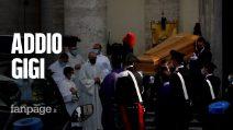 Gigi Proietti, il lungo saluto al re del teatro per le strade di Roma