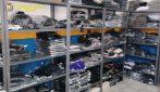 Napoli, sequestrati quasi 14mila capi d'abbigliamento falsi in vendita su internet
