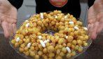 Struffoli napoletani: la ricetta passo passo dei golosi dolcetti