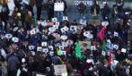 """Francia, folla in centro Parigi contro legge """"sicurezza globale"""""""
