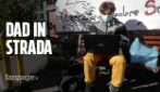 """Riapertura scuole, a Napoli DAD in strada: """"Non può essere uno schermo il luogo da cui impariamo"""""""