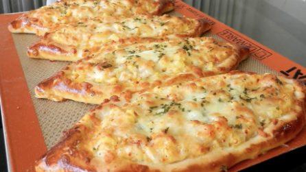 Cheese garlic potato bread: how to prepare this incredible recipe