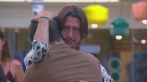 Grande Fratello VIP - Francesco saluta i suoi compagni di viaggio e lascia la Casa