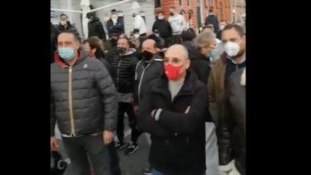 Campania zona arancione, la rivolta dei ristoranti al Lungomare di Napoli contro De Luca