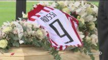 L'ultimo saluto a Paolo Rossi, in coda per l'addio