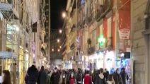Napoli, prese d'assalto le vie dello shopping