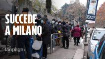 """Milano, centinaia di persone in fila per poter mangiare: """"Sempre di più gli italiani poveri"""""""
