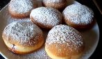 Fried Bomboloni (Italian Donuts): A Fluffy Dough That Will Leave You Speechless