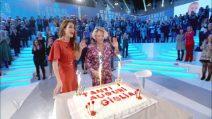Giulia Provvedi festeggia il compleanno in tv e commenta la lite con Cecchi Paone