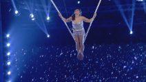 Tu si que vales 2018, Julia Sanchez si libra nel cielo dondolando su una corda
