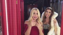 Domenica Live - La #cabinarossa di Loredana Lecciso e Raffaella Lecciso
