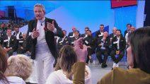 """Uomini e Donne, Noel Formica contro Alfonso Barone: """"Hai messo la mia mano sul tuo fianco"""""""