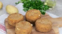 Potato and cheese croquettes: fried or oven baked, you have to try this recipe!