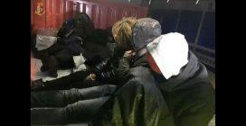 Migranti stipati su treni merci per raggiungere la Germania: due arresti