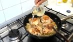 Pollo al vino bianco: semplice, veloce e dal sapore unico