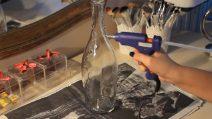 Come riciclare la bottiglia di spumante: pochi elementi per renderla unica