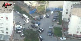 Napoli, racket alle mense scolastiche: 9 arresti tra i Mallardo e i De Rosa