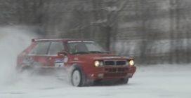 Il video che farà emozionare tutti gli appassionati di motori: il drifting sulla neve della Lancia Delta