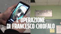 """L'attesa di fan e amici di Francesco Chiofalo dopo l'operazione: """"Almeno la fidanzata può entrare?"""""""