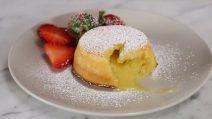 Tortino al limone con cuore cremoso: un dessert strepitoso