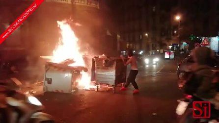 Napoli, guerriglia urbana ai Cippi di Sant'Antonio 2019