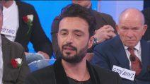 """Uomini e Donne, Armando Incarnato scoppia a piangere: """"Nella mia vita sono stato sempre usato"""""""