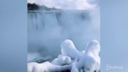 Cascate del Niagara ghiacciate: uno spettacolo unico al mondo