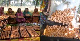 Cucinano 900 uova tutte insieme: ecco come viene preparato il pranzo in un villaggio in Bangladesh