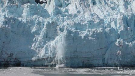 Antartide, scoperta una gigantesca grotta di ghiaccio