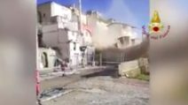 Crollano le case dopo la frana: una parte del paese vicino Matera raso al suolo