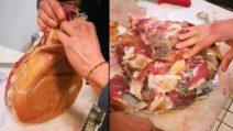 """Il prosciutto """"cinese"""" che si spappola facilmente con le mani: le immagini choc"""