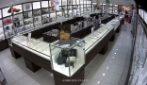 Bari, devastano centro commerciale per rubare 60mila euro di gioielli: arrestati