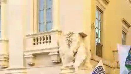 Roma-Porto, tifosi portoghesi sfilano per le vie del centro della Capitale