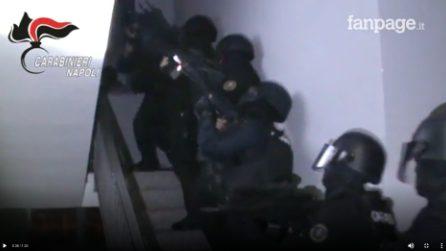 Non paga debito e viene sequestrato dal clan Mazzarella: l'irruzione dei carabinieri per liberarlo