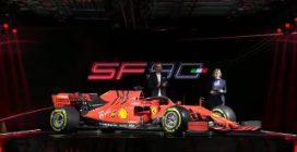 La nuova Ferrari SF90 sul palco di Maranello