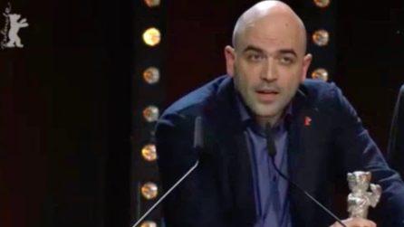 """""""La Paranza dei bambini"""" vince a Berlino, Saviano: """"Dedico il premio alle Ong che salvano vite"""""""