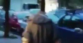 Soccavo, il video del senzatetto aggredito alle spalle dai ragazzini per fare una storia su Instagram