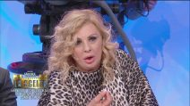 "Uomini e Donne, Tina e Gianni attaccano Roberta Di Padua: ""Tra un mese ti scaricherà"""