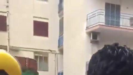 Castellammare di Stabia, maestra d'asilo punisce bambina e viene picchiata in strada dai genitori