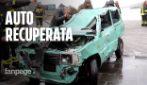 Auto travolta dal mare in tempesta nel Catanese, recuperata la Panda: è semidistrutta