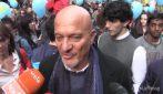 """Corteo a Milano, Claudio Bisio: """"Questa è l'Italia che mi piace"""""""